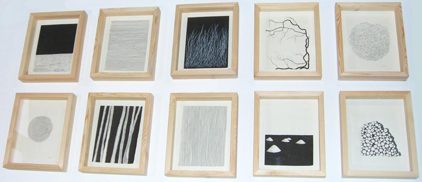 série-dessins-24x18cm-épinglés-dans-boites